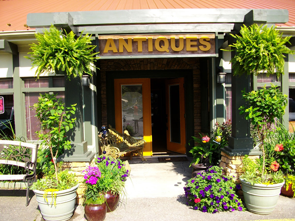 Treasure Potts Antique & Garden Shoppes - Blue Ridge Parkway