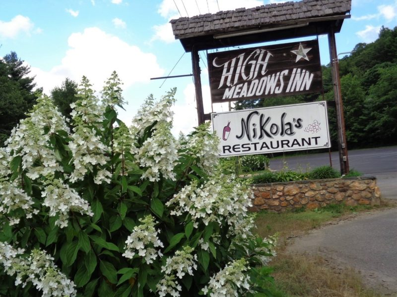 High Meadows Inn & Nikolas Restaurant