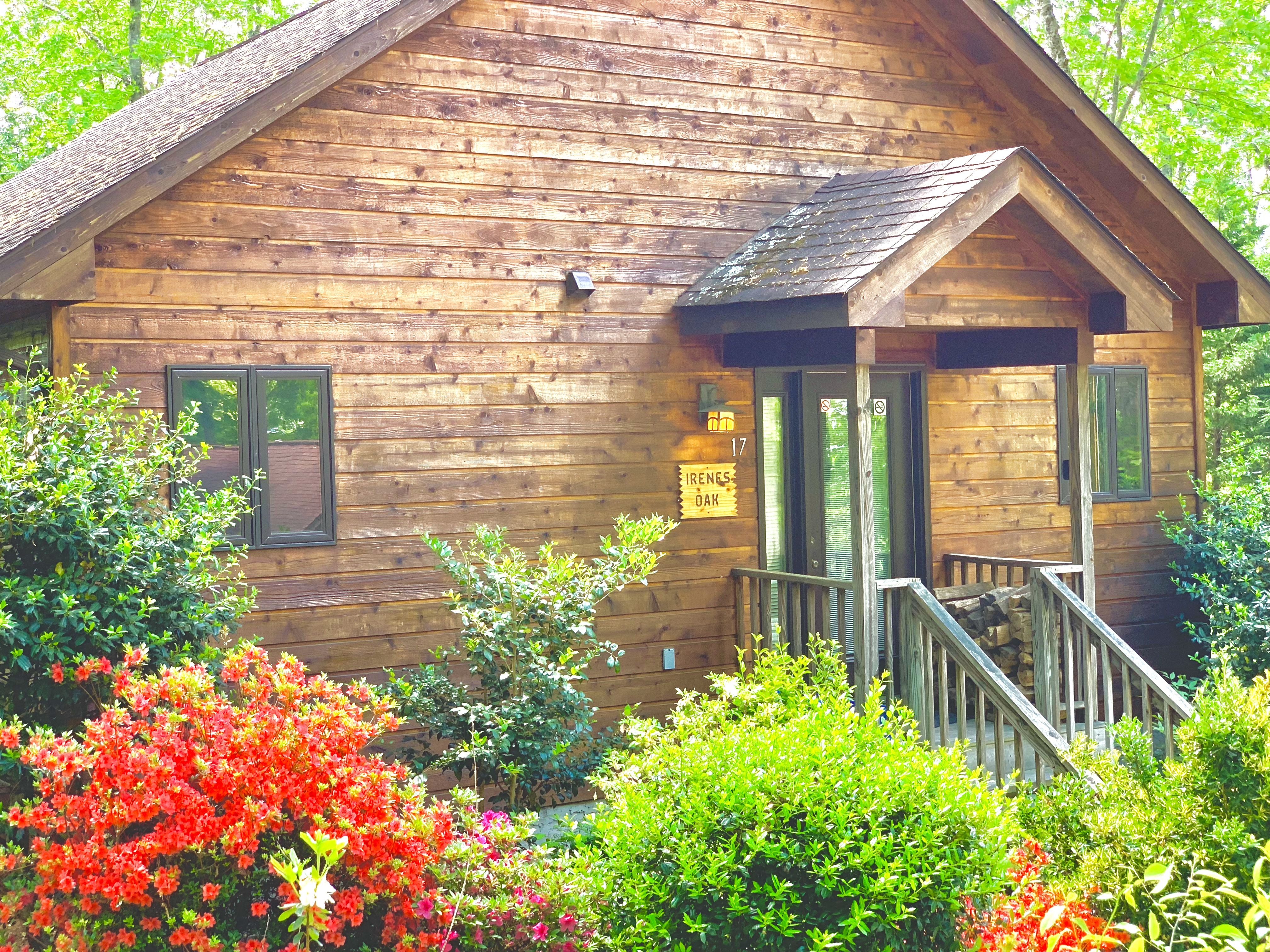 Asheville Cabins of Willow Winds exterior